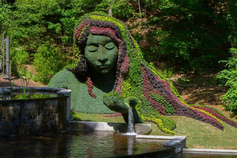 Botanical Gardens Create Local Wonderland Technique