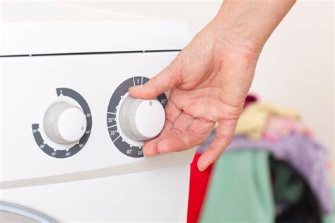 kopfkissen waschen ohne trockner vergilbte daunenkissen richtig waschen daunen kissen