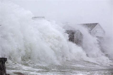 blizzard conditions hit  england  massive winter