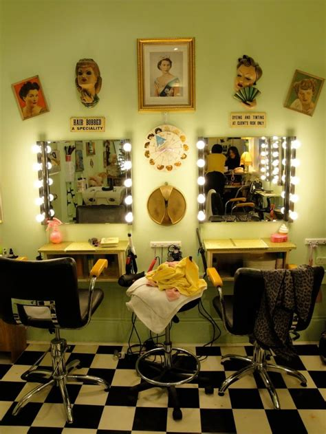 Vintage Salon Decor Ideas 17 Best Ideas About Retro Salon On Vintage