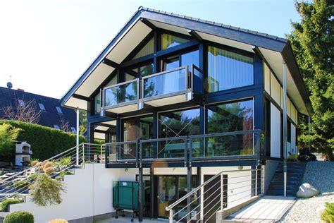 Fachwerkhaus Altbewaehrte Konstruktion by Fachwerkhaus Modern Mit Dunkler Konstruktion Und Modernem