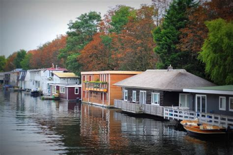 Living On A Boat In The Netherlands by Amsterdam S Houseboats On The Water
