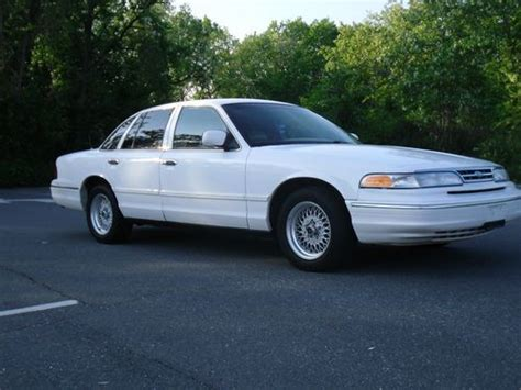 find   ford crown victoria  clean title crown