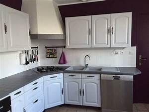 Cuisine Repeinte En Blanc : cuisine blanche murs aubergine cuisine en 2019 cuisine rustique peinture plan de travail et ~ Melissatoandfro.com Idées de Décoration