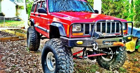 big red jeep big red jeep cherokee jeeps and more jeeps pinterest