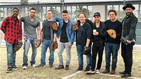Cast of 'The Sandlot' reunites and takes the field 25