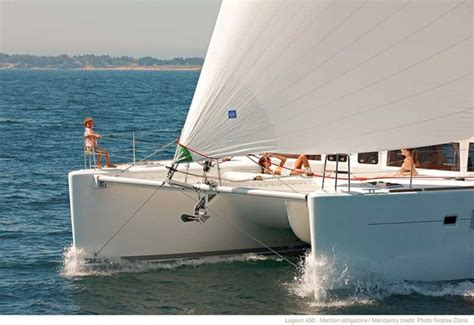 Catamaran Lagoon 42 A Vendre by Lagoon Catamarans Sailing