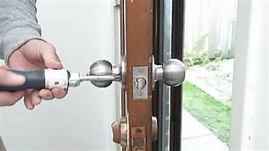 Changer une poignee de porte sosteam for Comment changer une porte