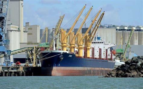 le trafic du grand port maritime de la rochelle a baiss 233 de 1 en 2012 sud ouest fr