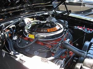 1968 Plymouth Road Runner 426 Hemi Engine
