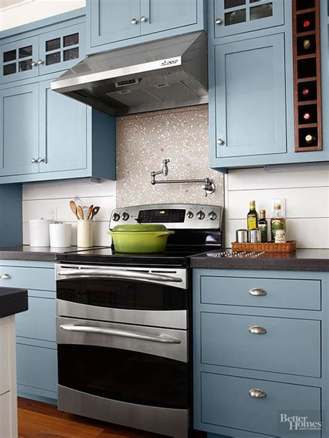 Trendy Kitchen Cabinet Colors by Best 25 Popular Kitchen Colors Ideas On