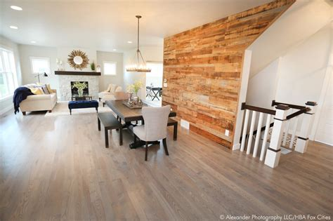 Big Bobs Flooring Of Fox Valley by Fox Cities Hba Parade Of Homes