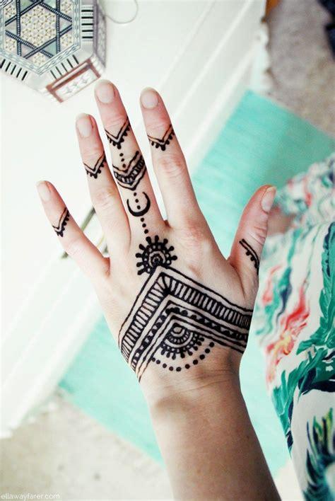 henna tattoo auf der hand ellawayfarercom