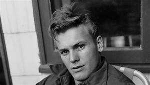 Tab Hunter, iconic 1950s actor and Hollywood heartthrob ...
