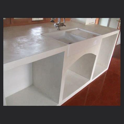 rénovation plan de travail cuisine béton ciré application de béton ciré enduit décoratif pour rénover