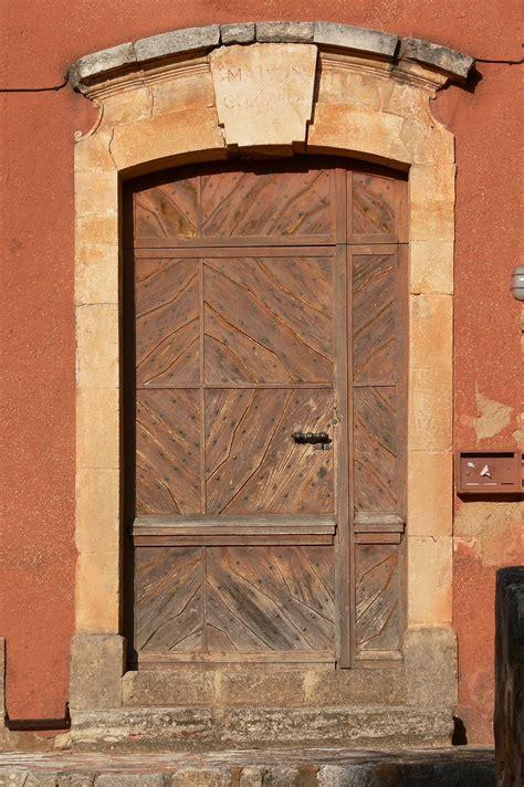 la porte d a cte raliser une porte en bois free with raliser une porte en bois top en trompe luoeil with