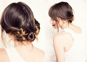 Soft wedding hairstyle for boho and beach brides | OneWed.com