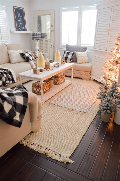 Cozy Living Room Ideas On A Budget by Cozy Cottage Winter Living Room Decorating Ideas Fox