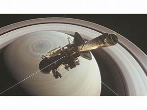 Cassini spacecraft's 20-year Saturn mission ends in fiery ...