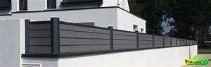 Cloture Sur Muret : comment d ligner un poteau de cl ture en aluminium ~ Carolinahurricanesstore.com Idées de Décoration
