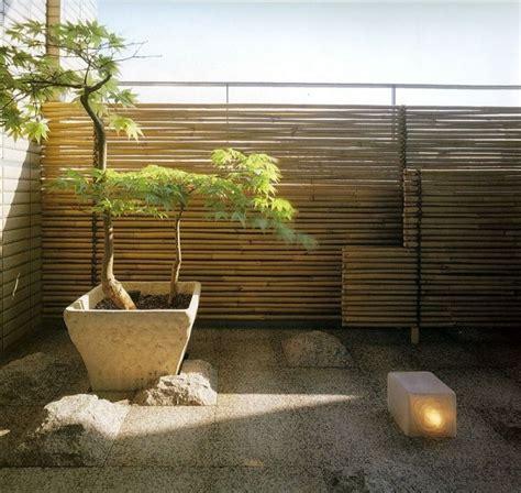 Japanischer Garten Auf Dem Balkon by Sichtschutz F 252 R Den Balkon Bambusst 228 Ben Steinfliesen