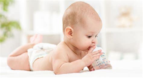 ab wann spürt baby außen wasser f 252 r das baby alles rund um die trinkgewohnheiten neugeborenen