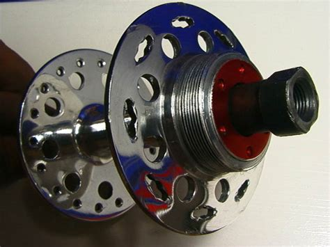 Singer Nives-type Rear Hub