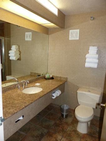 chambre las vegas chambre picture of luxor las vegas las vegas tripadvisor
