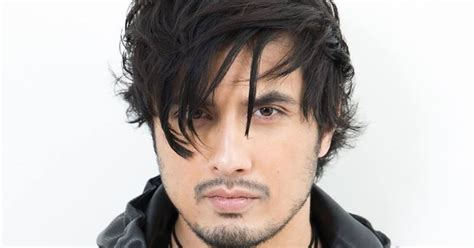 ali zafar wife brother age height family brother son