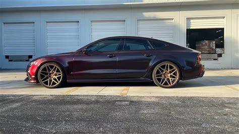 Blickfang mit vier türen und auf wunsch fünf sitzen: Video: RED TO BLACK HyperShift Lackierung am Audi RS7