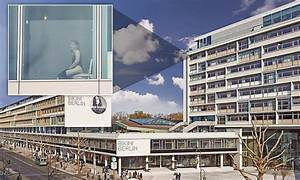 Bikini Berlin Hotel : german hotel 39 s floor to ceiling windows reveals patrons on toilet the winglet ~ Markanthonyermac.com Haus und Dekorationen