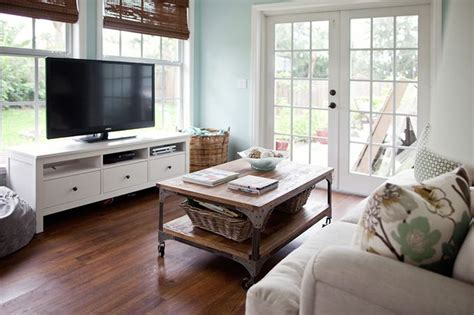 Living Room Design Tv In Front Of Window by 8 Best Images About Tv In Front Of Window On