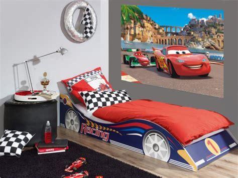 chambre garcon cars disney cars 2 décoration murale maxi poster papier