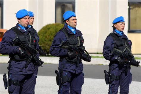 Gruppo Operativo Mobile Polizia Penitenziaria by Cinofili Polizia Penitenziaria Benevento Operazione
