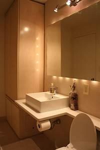 luminaire salle de bains plus de confort espace 23 idees With luminaire au dessus miroir salle de bain