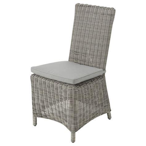 chaise en résine tressée chaise de jardin coussin en résine tressée et tissu gris clair cape town maisons du monde