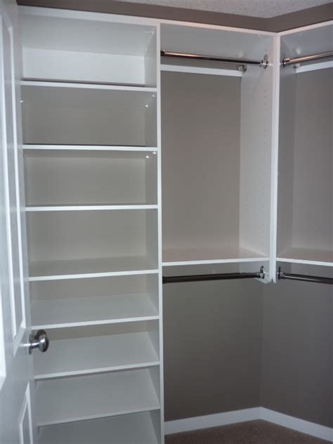 Diy Walk In Closet Design by Simple Design For Spare Bedroom Walk In Note Angled