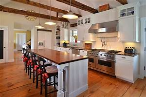 Incorporating new kitchen cabinetry in an antique home