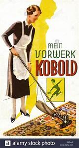 Teppich Auf Englisch : haushalt reinigung hausfrau mit staubsauger kobold ~ Watch28wear.com Haus und Dekorationen