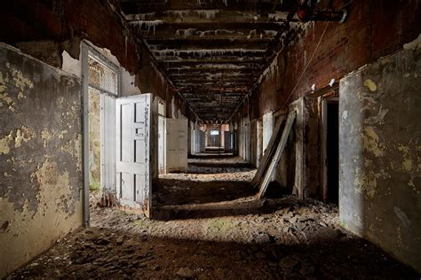 detritus photo   abandoned northwood asylum