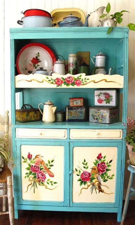 cabin kitchen cabinets best 25 kitchen dresser ideas on 1904