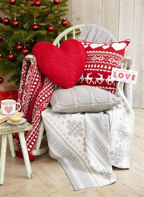 adornos navidenos tejidos de lana  decorar la casa
