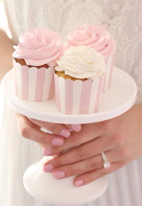 25 best ideas about pink cupcakes on pink
