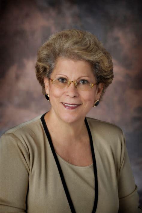 woman surgeon general  discuss hispanic heritage