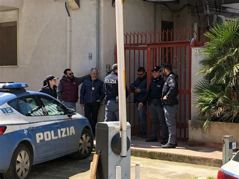 Separarsi In Casa by Femminicidio A Palermo Tunisino Strangola In Casa La