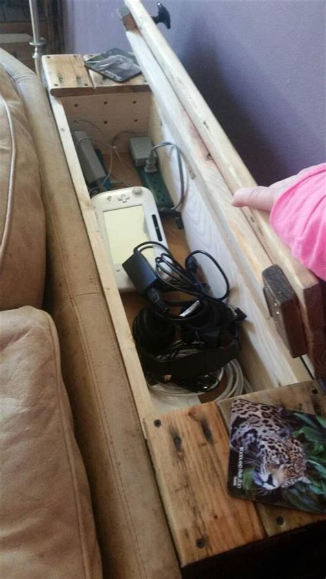 behind the couch diy pallet behind sofa pallet furniture plans