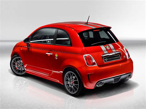 Fiat Car : Fiat 500 Abarth 695 Tributo Ferrari Specs & Photos