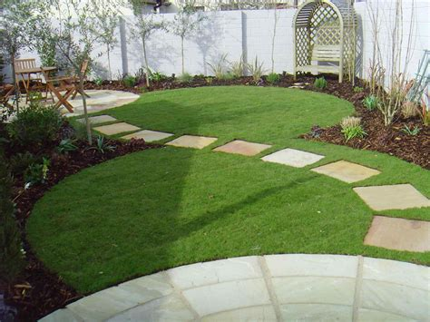 19 Top And Fabulous Stepping Stones Design Ideas For Your