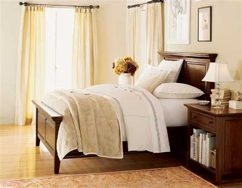 neutral bedroom colours neutral bedroom with color pop bedroom neutral 1 12690