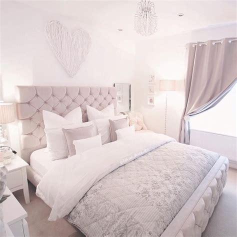 warna cat kamar tidur romantis putih abu abu warna cat